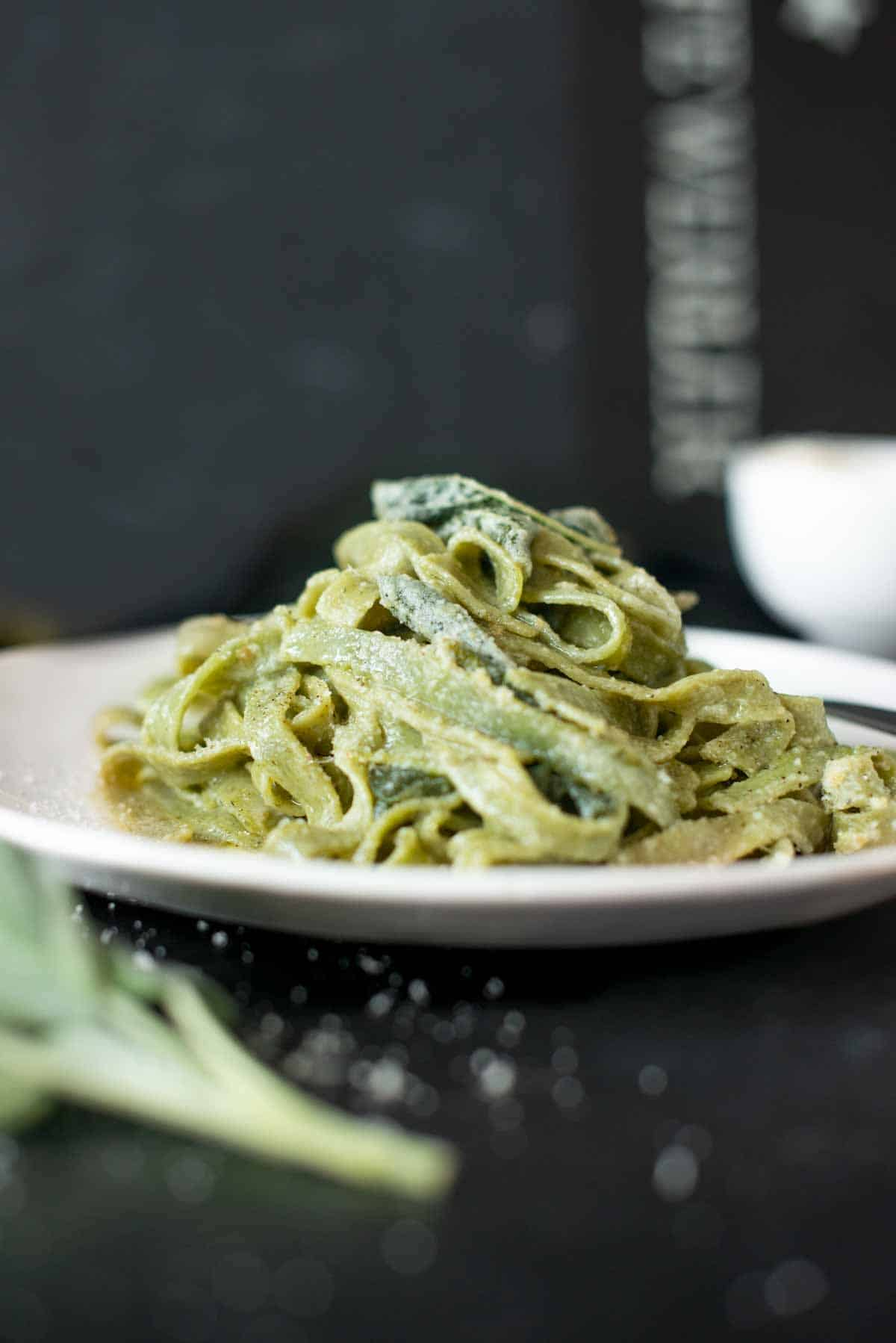 vegan spinach pasta with pesto